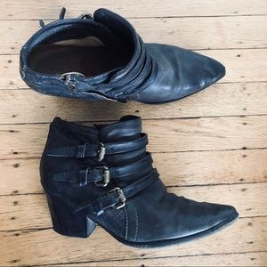 AS98 free people Buckle booties